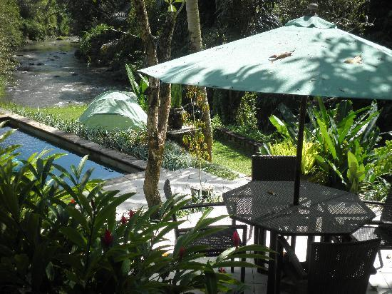 Villa Semana: view of private pool and river