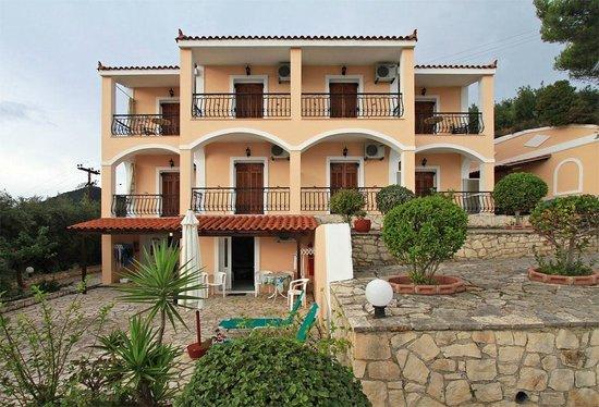 Villa Contessa - The building