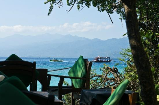 Tir Na Nog Gili Trawangan Accommodation: Pemandangan dari area breakfast