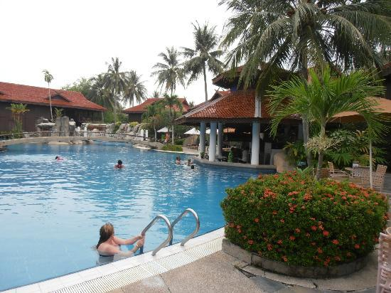 Cascade Pool Picture Of Meritus Pelangi Beach Resort Spa Langkawi Pantai Cenang Tripadvisor