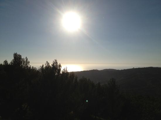 Arpaderba B&B: Sonnenuntergang von der Terrasse