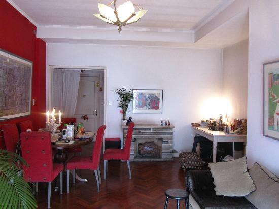 El Jardin del Tango: Living-Room Casa Rosa