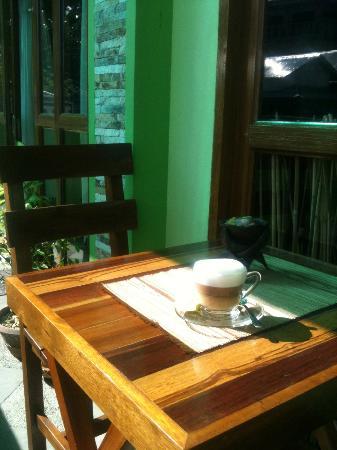 Trio Pasta House: Outside