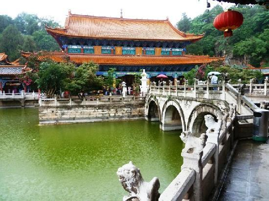 Yuantong Temple: A view of the complex from the bridge