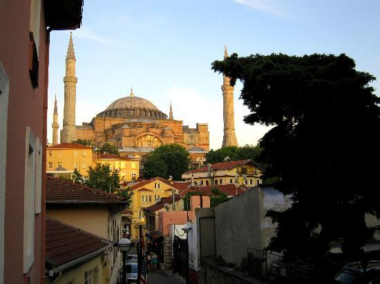 Zeynep Sultan Hotel: The view from our window