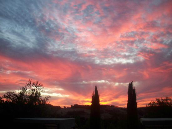 Oakfield Country House: Magnificent Sunsets