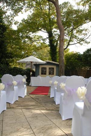 The Mayfair Hotel: Outdoor Ceremony in Courtyard