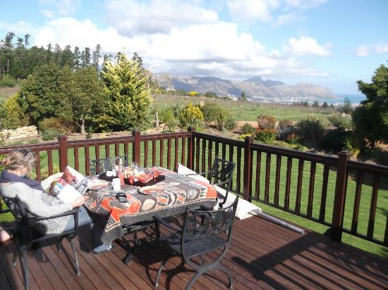Cape Country Living Guesthouse: Our deck which has a seaview
