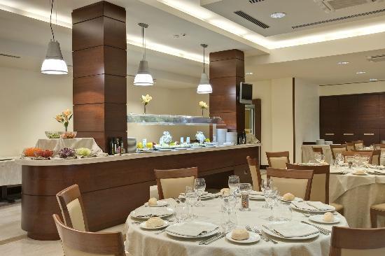 Carlos V Hotel Sardinia Room Tips