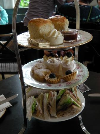 Maryville House: Afternoon tea