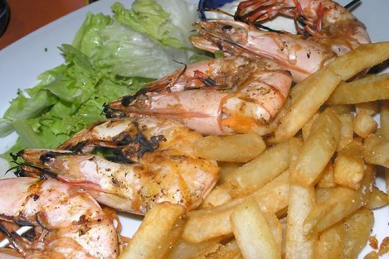 Safari: mummy big shrimps on grill