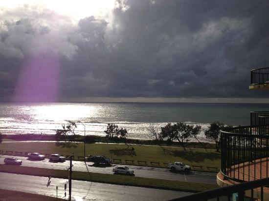 Ocean Boulevard Apartments: View from verandah-spectacular even on cloudy day