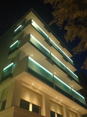 Hotel Nobel: E di notte....