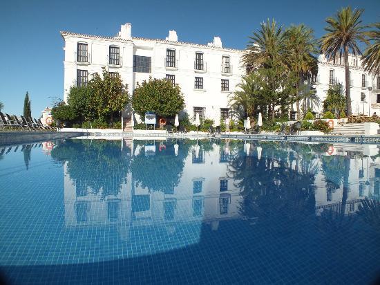 A view of the hotel and adult swimming pool fotograf a de hacienda puerta del sol mijas - Hotel puerta del sol mijas ...