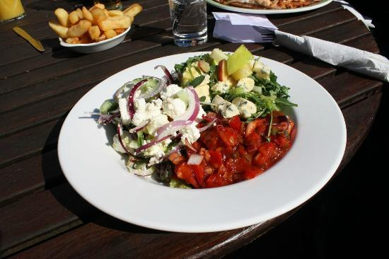 Vats Bar: Main Salad (£5.95)