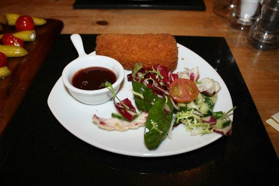 Vats Bar: Crumbed Deep Fried Brie (£4.99)