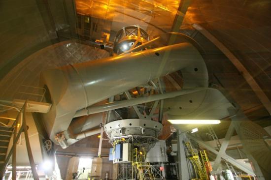 Palomar Observatory: Nur durch eine Plexiglasscheibe vom Teleskop getrennt