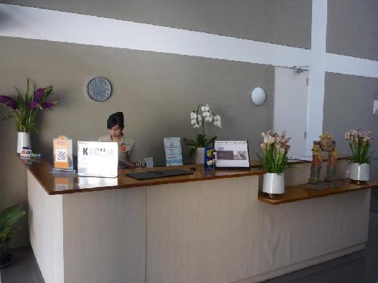 Malaka Hotel: receptionist