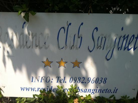 Sangineto, Italia: gli hanno tolto solo una stella ? per mè non ne vale nemmeno una.