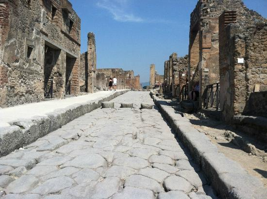 Guided Tours of Pompeii with Livio