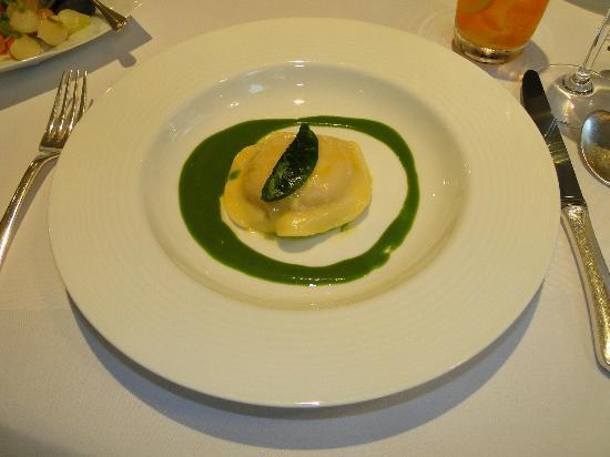 Restaurant Gordon Ramsay: Very mundane ravioli