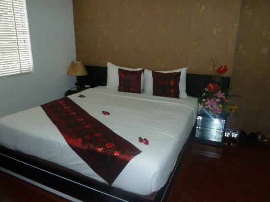 Rising Dragon Cathedral Hotel: Our Stunning Suite 
