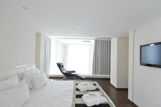 Island Suites Hotel: duplex suite bedroom