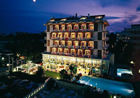 Hotel tridentum bewertungen fotos preisvergleich - Bagno giorgio cesenatico ...