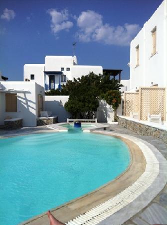 Vanilla Hotel : poolside