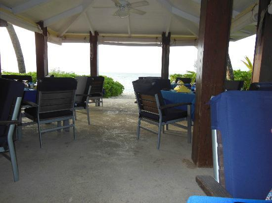 The Palms at Pelican Cove: Part of the dining area