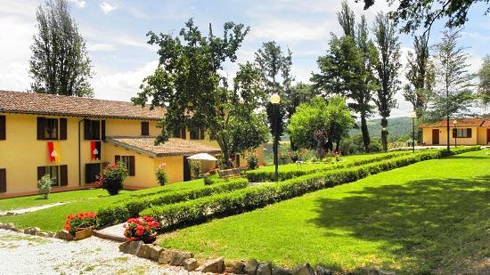 Agriturismo B&B Abadia Farneto: Abadia Farneto vivre des vacances vraiment reposantes entre la nature et les villes anciennes en