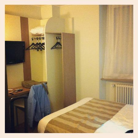 Kyriad Epinal Centre : Small but comfortable room