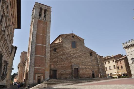Duomo: ...der Dom an der Piazza Grande....
