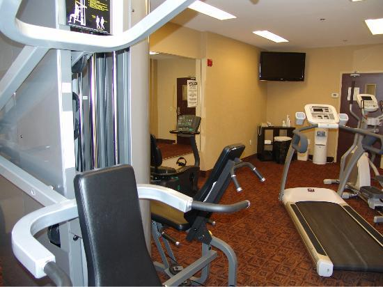 BEST WESTERN Royal Oak Inn: Work up a sweat in our Fitness Room open 24 hrs.