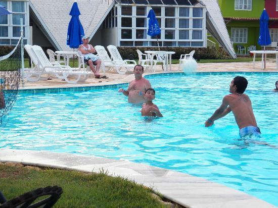 Prodigy Beach Resort Marupiara: Área de recreação na Piscina