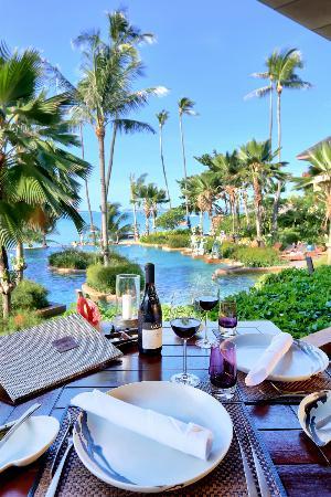 Full Moon Restaurant: Restaurant setting1