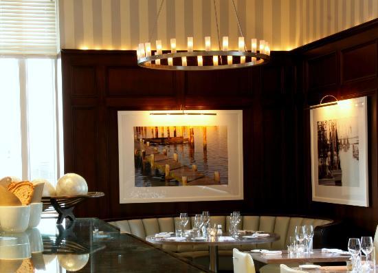 Ed's Chowder House : Interior