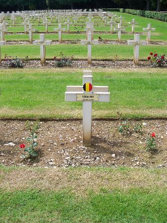 Nécropole Nationale Française de Notre-Dame de Lorette: Tombe d'un soldat belge