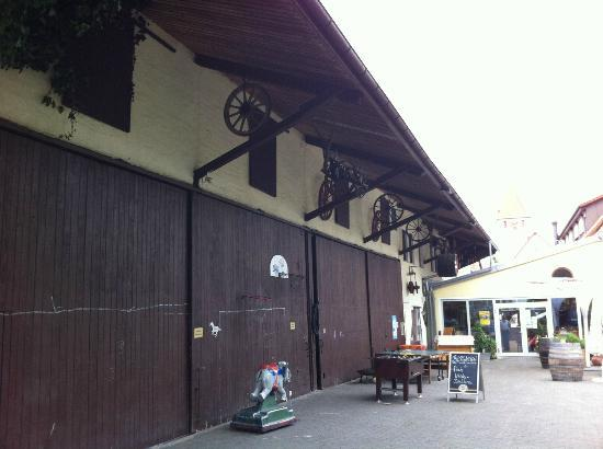 Hotel Krone: Farm Building adjacent to hotel