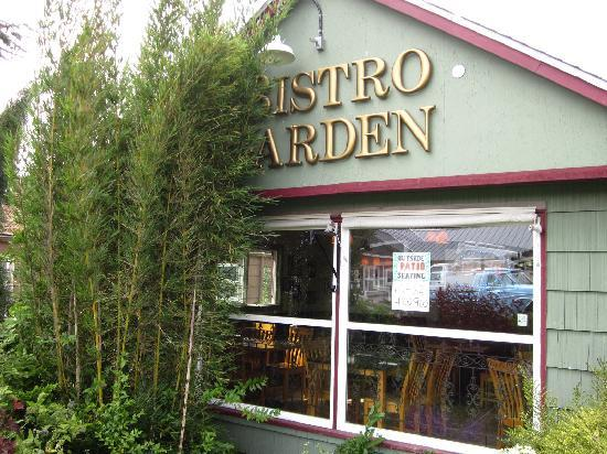 Bistro Garden : Outside