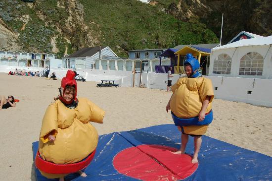 Asylum Entertainment: Sumo Beach Style