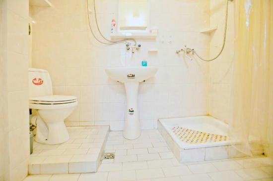 Ori Beli Hostel : Bathroom in Private Room