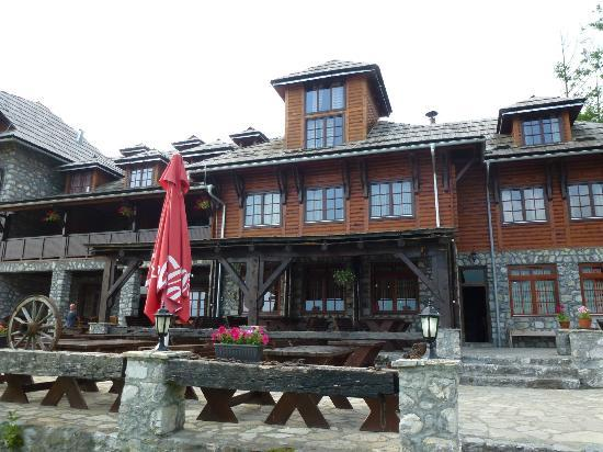 Kula Damjanova: Back of Hotel (outside bar and restaurant area)