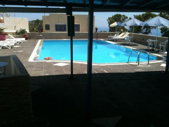 Hotel Thirasia: the pool