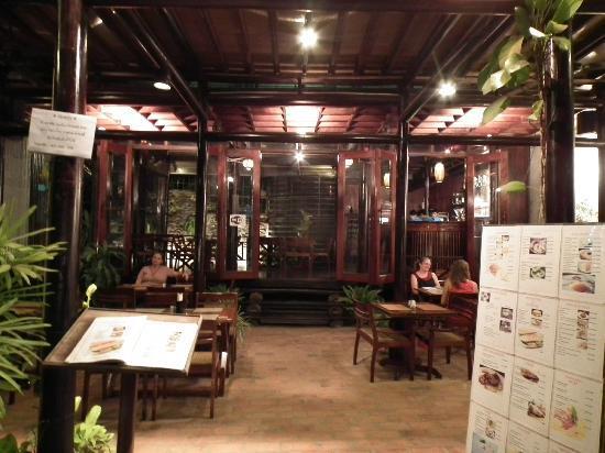 Tat Mor: restaurant1