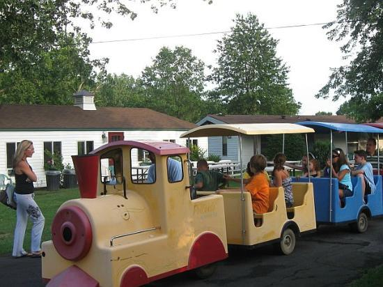 Pollace's Family Vacation Resort: Kids' Train Ride