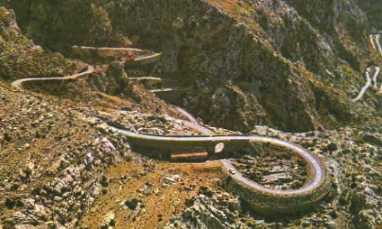 Canyon de la Calobra: serpente tra le roccie