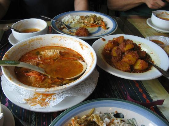 Golden Pagoda Restaurant : Lemongrass fish soup on left and curried potatoes on right