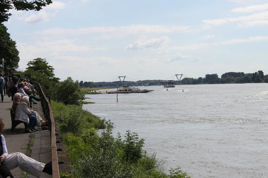 Kaiserpfalz Kaiserswerth : Rhein
