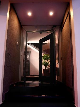 Santiago Building: Hall de Entrada